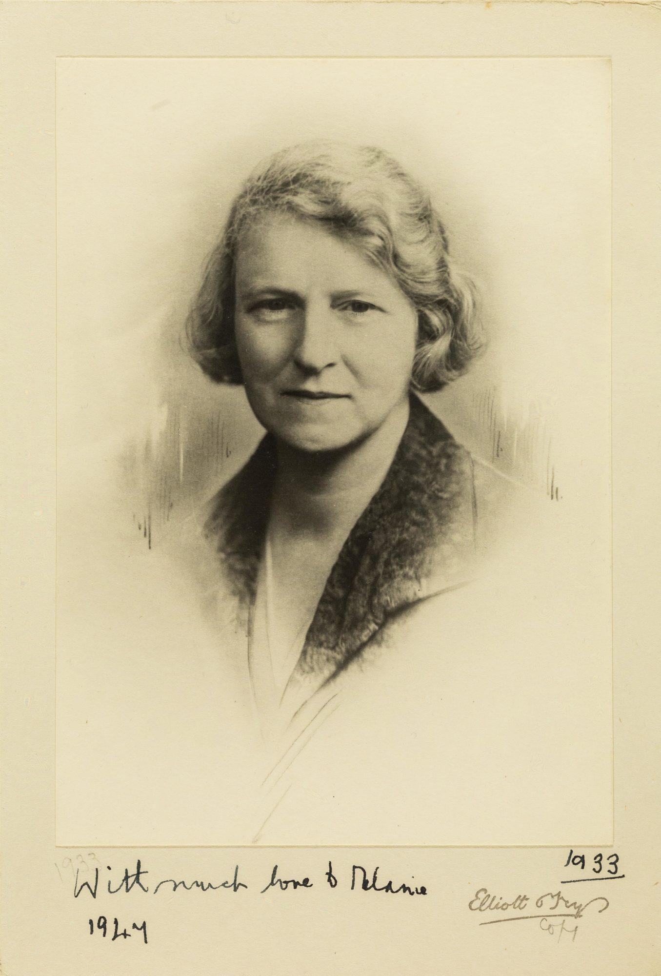 Fotografía de Susan Isaacs tomada en 1933, con la dedicatoria: 'Con mucho cariño para Melanie. 1947'