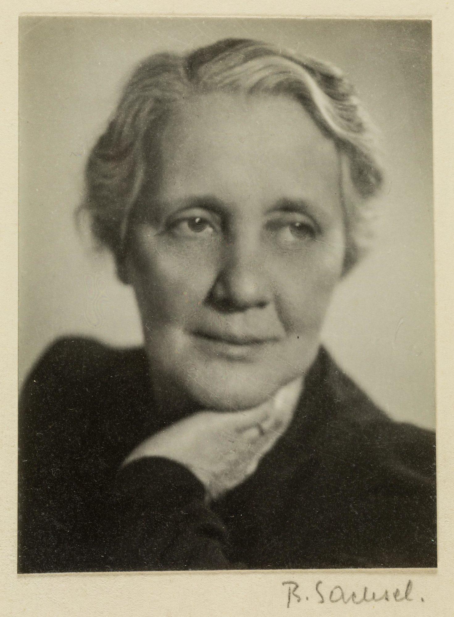 Photographie de Melanie Klein en 1944 à l'âge de 62 ans