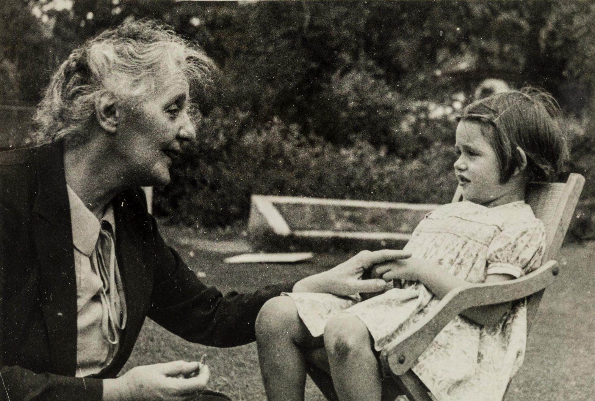 Klein con su nieta Diana