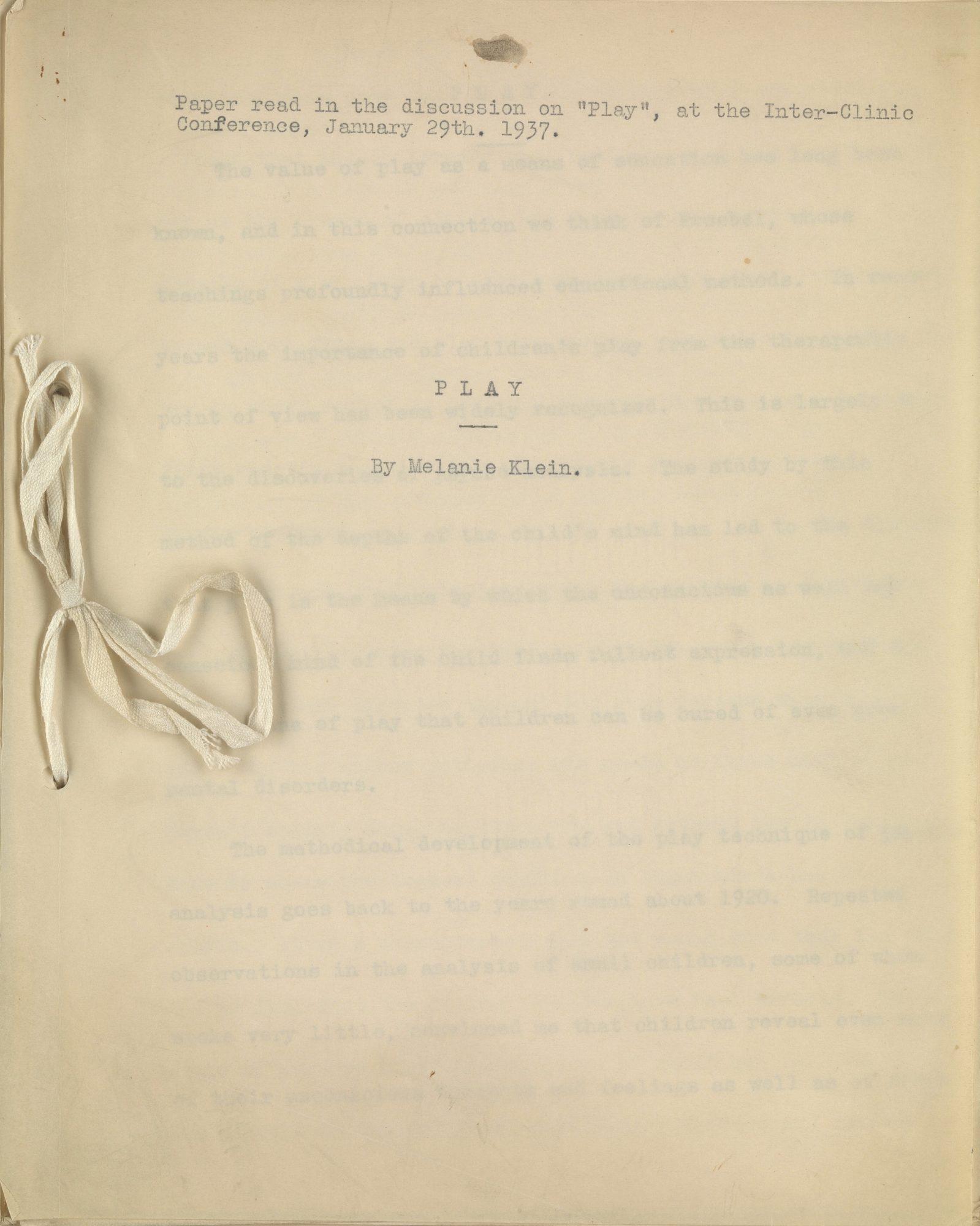 Version préliminaire de l'article de Klein 'Play' [Le jeu], présentée à l'Inter-Clinic Conference le 29 janvier 1937